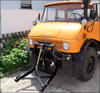 Classic Unimogs for Sale - 1977 Unimog 406 with an Hydraulic